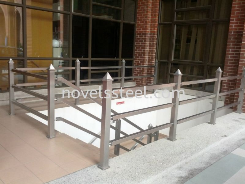 Stainless Steel Handrail 054 Stainless Steel Handrail Johor Bahru(JB), Malaysia. Manufacturer, Design, Supplies, Supplier | Novel Excellence Sdn Bhd