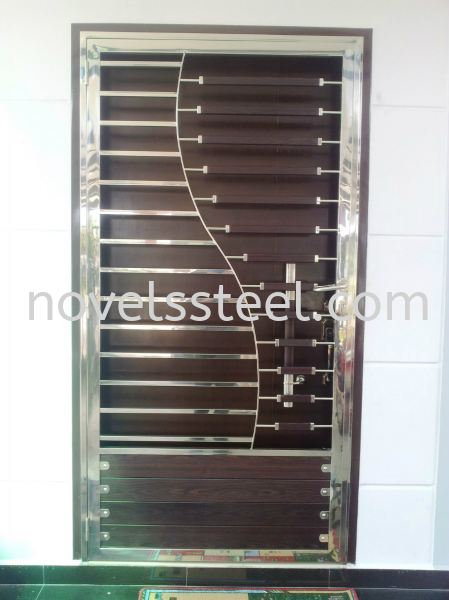 Stainless Steel Single door 019 Stainless Steel Single door Johor Bahru(JB), Malaysia. Manufacturer, Design, Supplies, Supplier | Novel Excellence Sdn Bhd