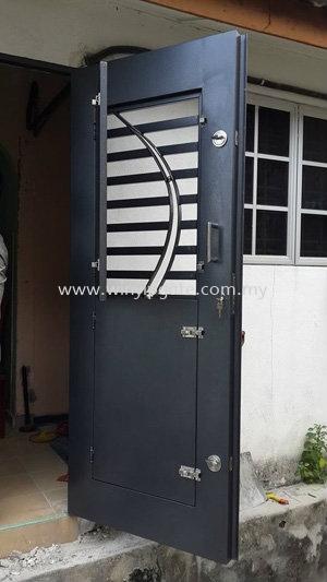 Mild Steel Safety Door 2 in 1 with Powder Coating Black Blue Mild Steel Safety Door 2 in 1 with Powder Coating Black Blue Selangor, Malaysia, Balakong, Kuala Lumpur (KL) Service, Supplier, Supply, Installation | Win Yip Gate & Roof Sdn Bhd