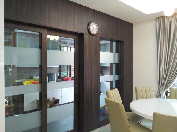 In Between dining hall and Wet Kitchen Entrance Kitchen Sliding Door Entrance Selangor, Kuala Lumpur (KL), Malaysia, Kajang Service | Xenn Interior Design