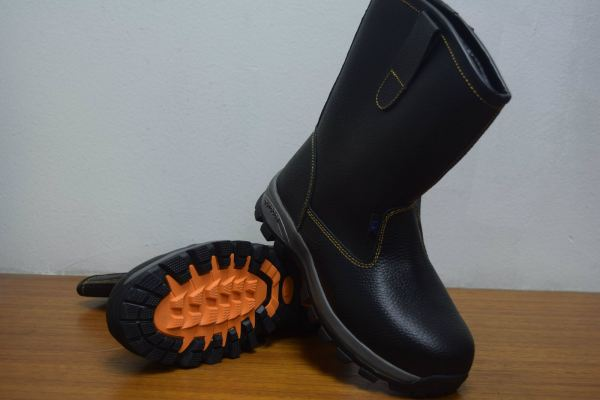 FS-900 S3 Safety Shoes Safety Products & Belts Selangor, Malaysia, Kuala Lumpur (KL), Petaling Jaya (PJ) Supplier, Suppliers, Supply, Supplies   Further Advance Industries Sdn Bhd