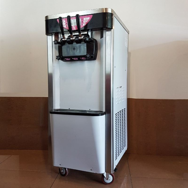 SS219C Soft Ice Cream Machine Three Flavors ID889738