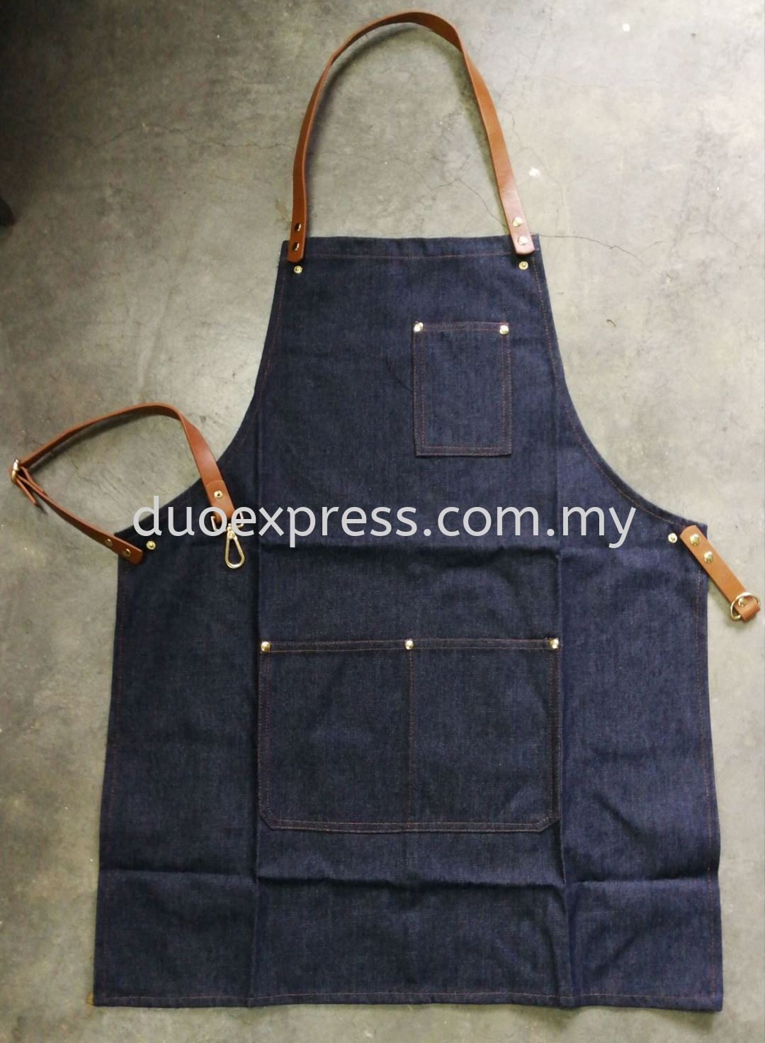 Denim apron with PU leather and buckle