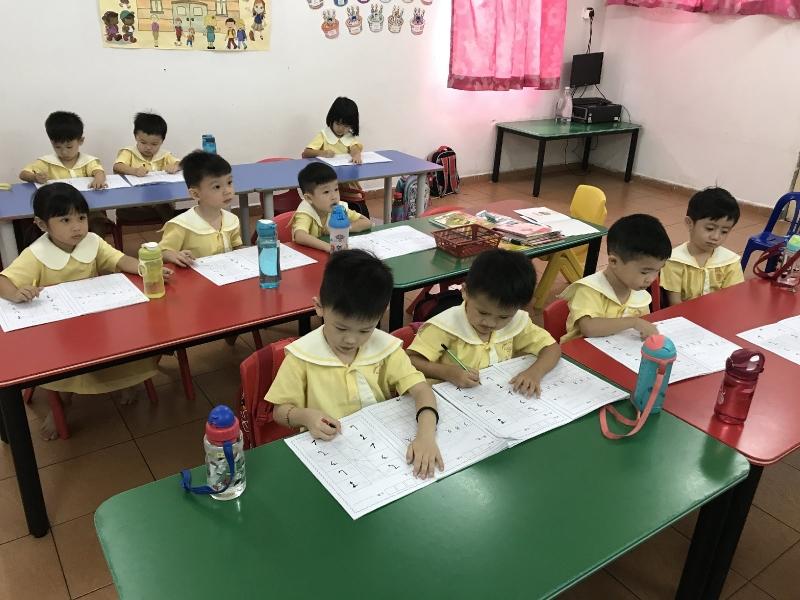 Quarter Daycare 3 to 6 years old (8am-3pm) 1 to 1 Teaching Kindergarten Selangor, Seri Kembangan, Kuala Lumpur (KL), Malaysia Centre, Services | Tadika Hati Ria