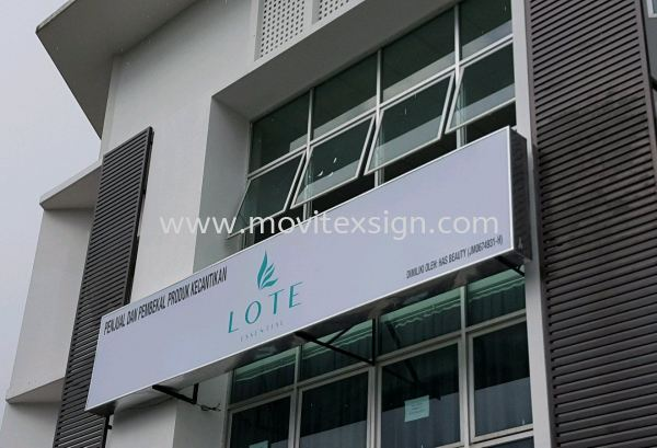 Signboard with LED lighting box. This type of signboard is suitable for mass merchandise trading or corporate use (click for more detail) Signboard / Lighting Signboard  Johor Bahru (JB), Johor, Malaysia. Design, Supplier, Manufacturers, Suppliers | M-Movitexsign Advertising Art & Print Sdn Bhd