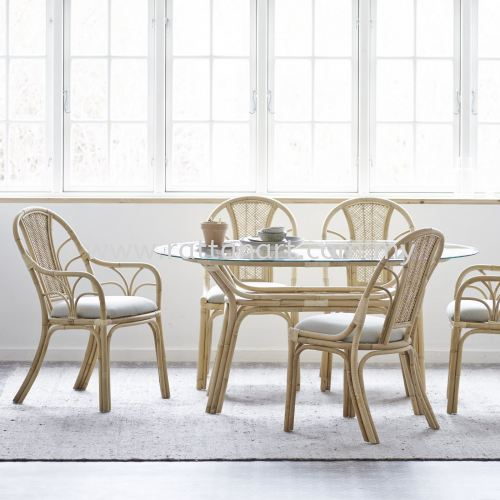 RATTAN DINING TABLE CORN