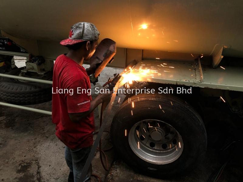 Metal Mudguard WELDING JOB REPAIR & SERVICE LORRY Johor Bahru (JB), Malaysia, Setia Indah Service, Rental, Supplier, Supply    Liang Eng San Enterprise Sdn Bhd