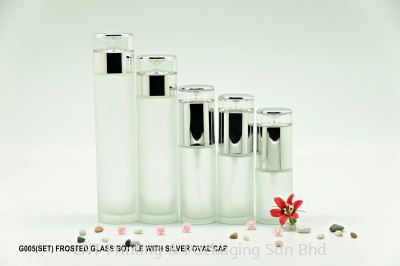 G005 FROSTED GLASS BOTTLE WITH SILVER OVER CAP