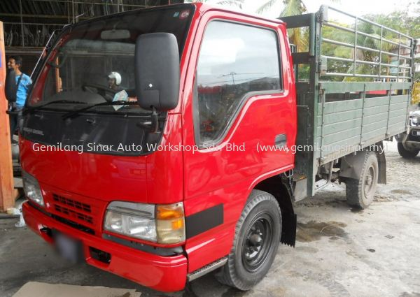 Repair 14ft Wooden Cargo with Steel Railing Wooden Cargo Repairing Truck Repair & Maintenance  Kedah, Malaysia, Lunas Services, Workshop | Gemilang Sinar Auto Workshop Sdn Bhd