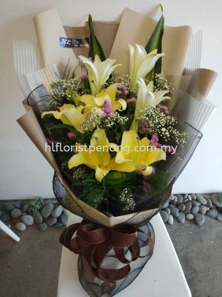 HB006 Lily Hand Bouquet Hand Bouquet Penang, Butterworth, Malaysia Supplier, Suppliers, Supply, Supplies | HL Florist & Gift