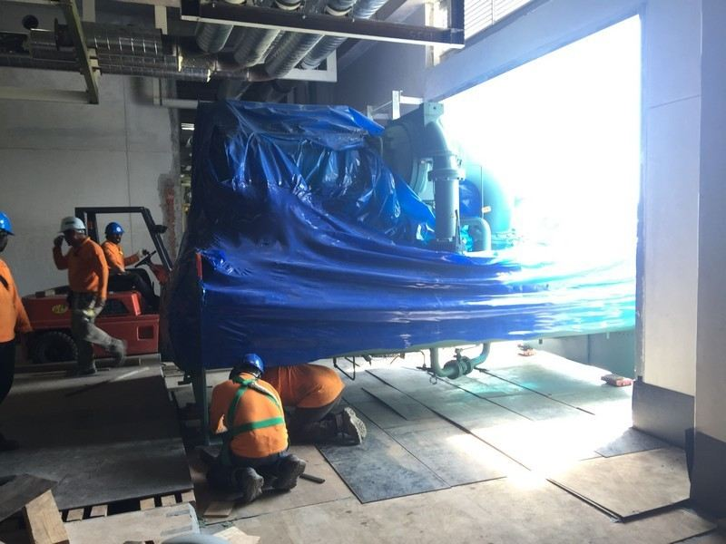 Chiller Mover Loading & Unloading of Heavy Machinery Selangor, Malaysia, Kuala Lumpur (KL), Shah Alam Services   Gigamach Sdn Bhd
