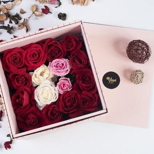 GRACE AMOUR Pink Flower Box Online Flower Delivery Kuala Lumpur (KL), Selangor, Malaysia, Cheras Delivery, Service | Sweet Maximus Enterprise