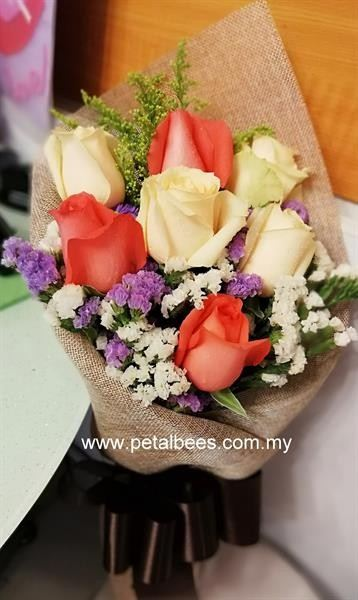 HB0262 Graduation Flowers Kuala Lumpur (KL), Ampang, Selangor, Malaysia Supplier, Suppliers, Supply, Supplies | Petalbees Florists & Gifts