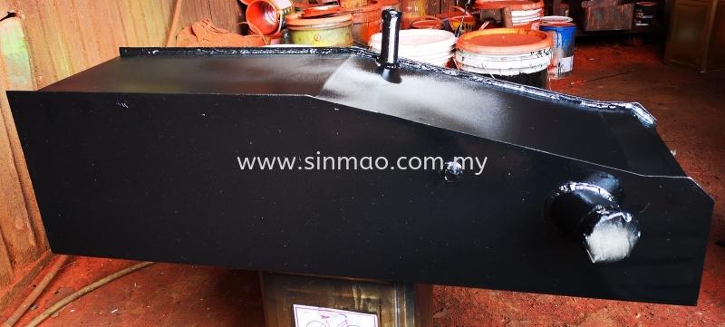 Fuel Tank Kubota Fuel Tank Tractor Accessories Selangor, Kuala Lumpur (KL), Malaysia, Sekinchan Supplier, Suppliers, Supply, Supplies | Sin Mao Engineering Sdn Bhd