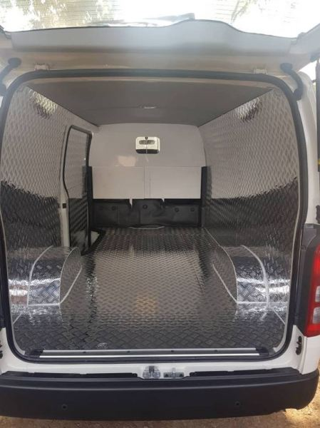 Checker plate full cover Toyota Hiace Penal  FULL CHECKER  CHECKER PLATE UNTUK KENDERAAN  Kuala Lumpur (KL), Malaysia, Selangor Supplier, Suppliers, Supply, Supplies | Mobile Life Automobil Sdn Bhd