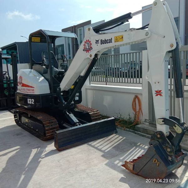 Mini Excavator Mini Excavator Sale Singapore, Malaysia, Johor, Pekan Nanas Supplier, Supply, Supplies, Rental | Schmetterling Rental Sdn Bhd