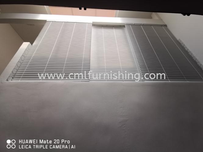 balcony-waterproof-blinds