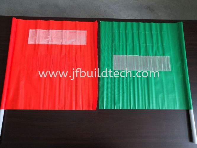 SAFETY FLAG WITH REFLECTIVE