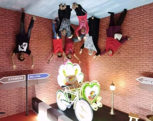 Attraction Malacca@Upside Down House