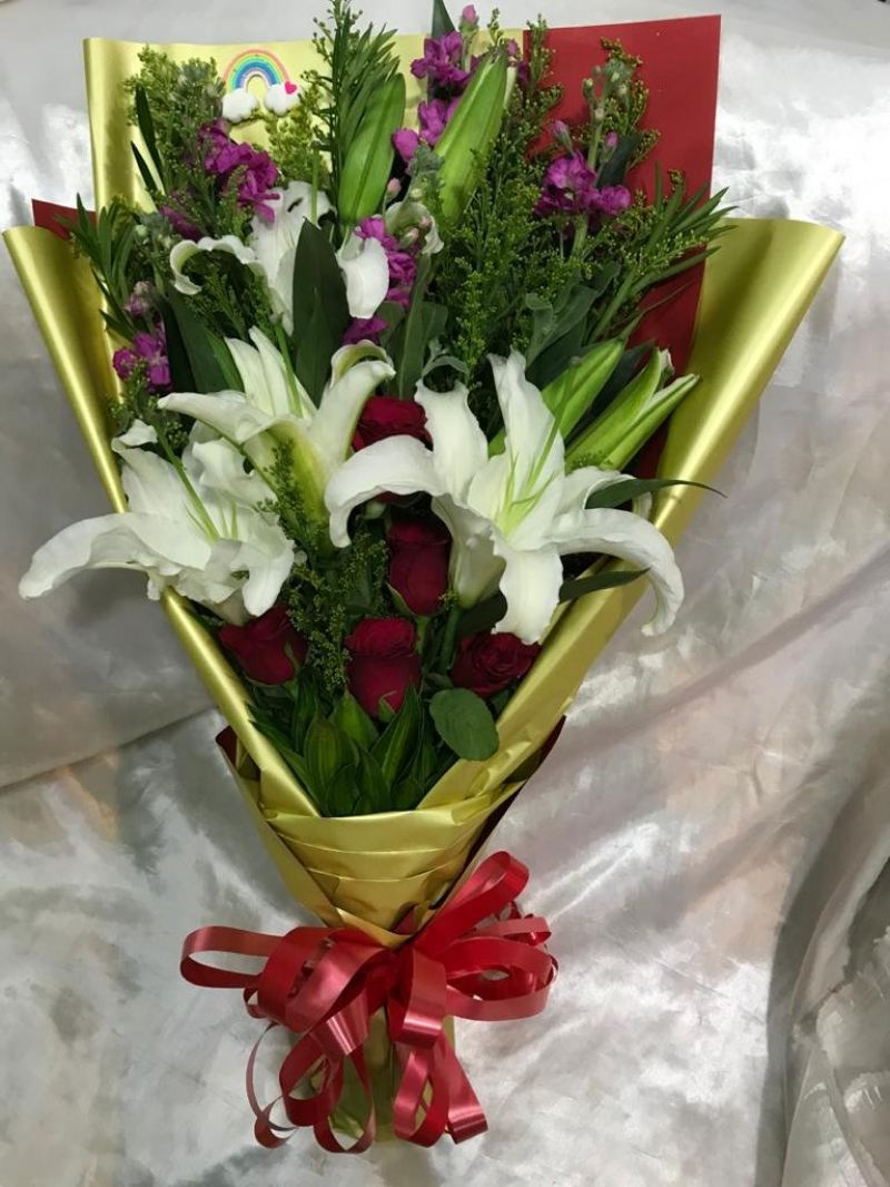 Lily & roses bouquet (HB-1005)