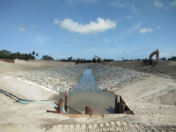 Temporary Drain No 2 Project Deepwater Terminal -Phase 3 (PDT3) Project References Johor Bahru (JB), Malaysia, Ulu Tiram Supplier, Rental, Equipment, Machinery | Ecotrans Construction & Heavy Machinery Sdn Bhd