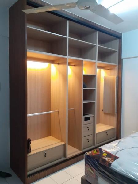 BUILT-IN WARDROBE  Aluminium Sliding Anti-Jump Wardrobe Malaysia, Selangor, Kuala Lumpur (KL), Seri Kembangan Supplier, Suppliers, Supply, Supplies | Seven Interior Design Sdn Bhd