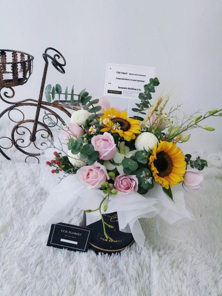 SWEET SCENTED SURPRISE FLOWER BOX Melaka, Malaysia Supplier, Suppliers, Supply, Supplies | CCH FLORIST (M) SDN BHD