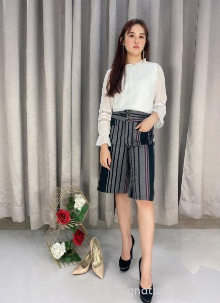 768858 TWO-TONED POCKET STRIPY CULOTTE¡¾1st 10% 2nd 20% 3rd 30%¡¿ 3/4 Culottes B O T T O M Selangor, Kuala Lumpur (KL), Malaysia, Serdang, Puchong Supplier, Suppliers, Supply, Supplies   LE ZONE Signature