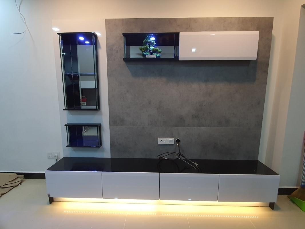 Ready Stock On Floor 8 ft feet kaki TV Cabinet with Lights in Taman tasek mutiara villa