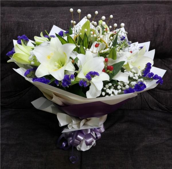 Queen Lily Bouquet HB1090 floristkl Lily Hand Bouquet Kuala Lumpur (KL), Selangor, Malaysia Supplier, Suppliers, Supply, Supplies   Shirley Florist