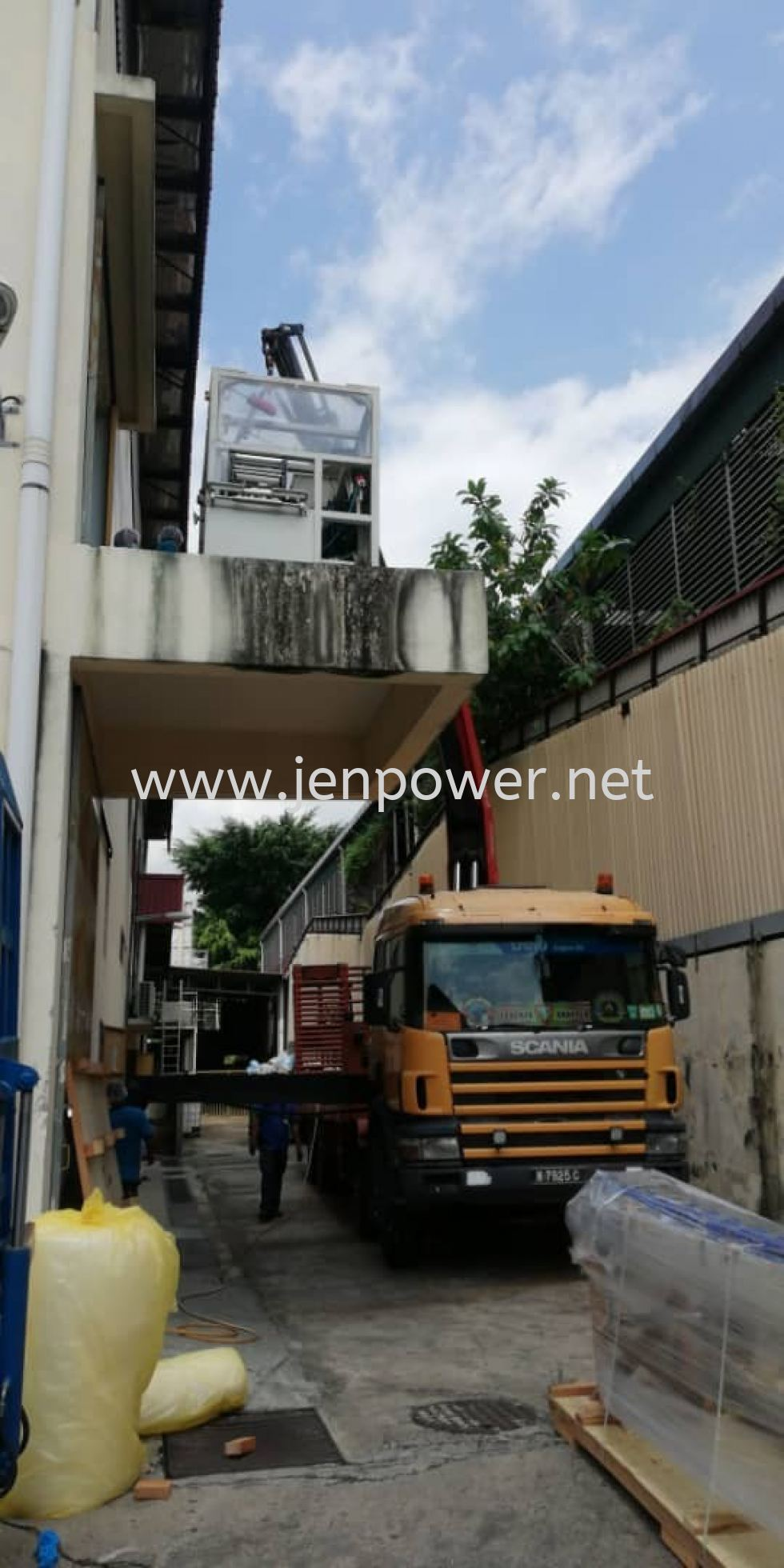 Lorry Crane Lifting Up Machine