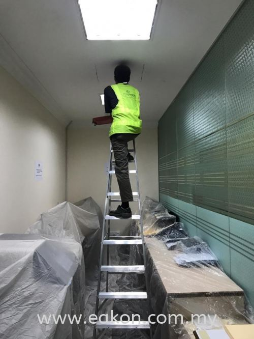 Install additional flexible duct for Administration office at Istana Negara