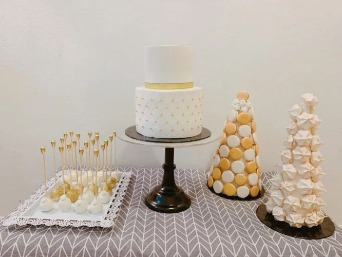 Dessert table Combo set Gold and White Theme