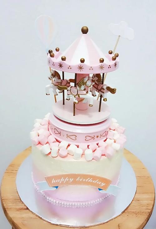 Carousel Theme Pink Mashmallow Cake