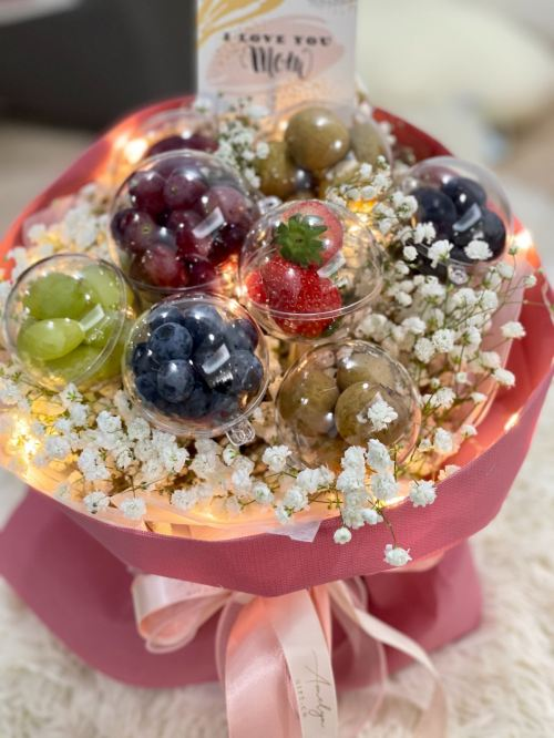Crystal Ball Round Bouquet