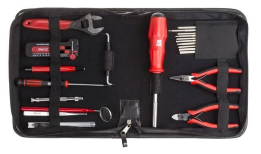 136-3414 - RS PRO 32 Piece Electricians Tool Kit with Pouch