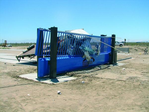 Tracked gate M50 crash test CMYK