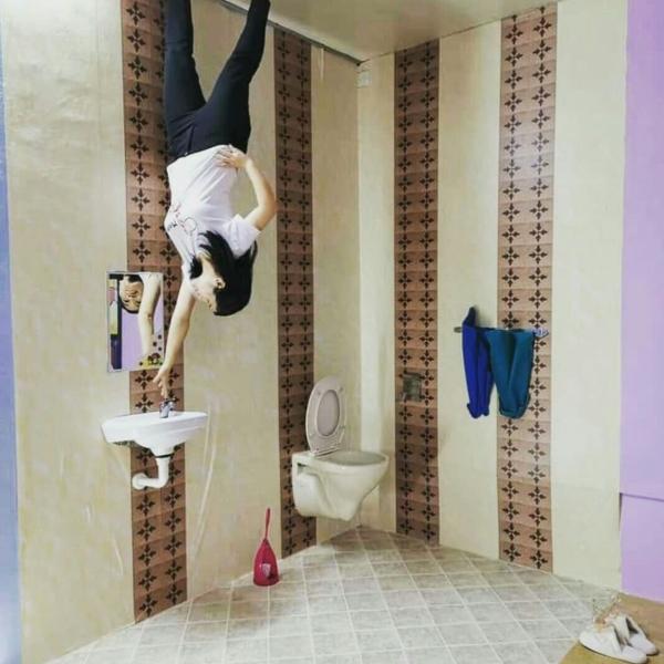 a place must visit in Melaka @ upside down house Melaka