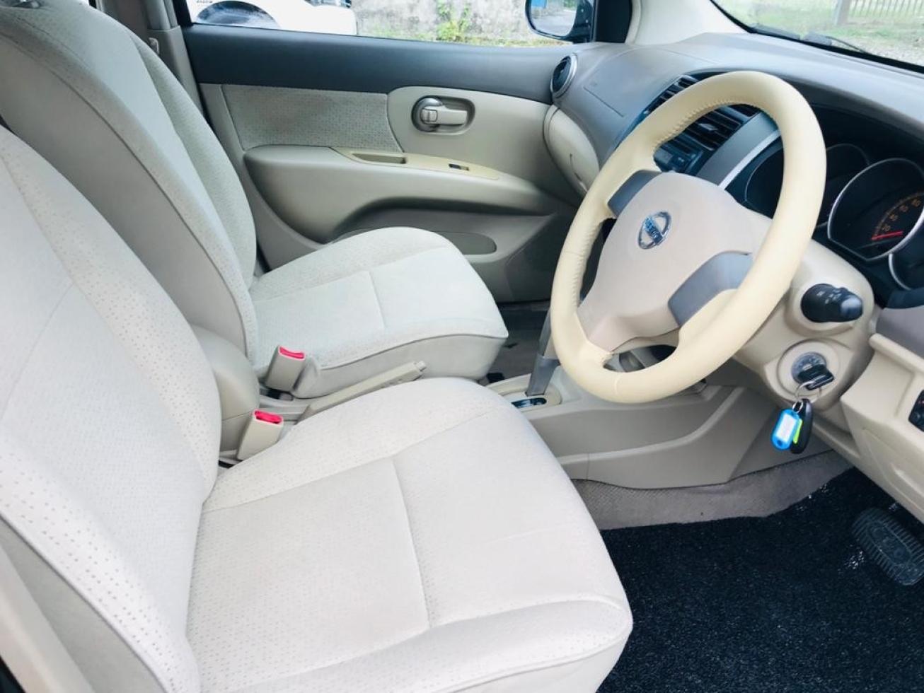 2011 Nissan GRAND LIVINA 1.6 CLASSIC/COMFORT (A)