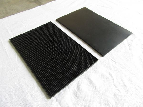 RB1218 Rubber Bar Spill Mat (2)