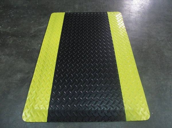 ESD410 Anti Static Anti Fatigue Mat (Black with Yellow Border) Front