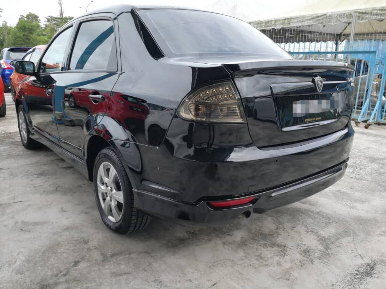 2015 Proton SAGA 1.3 FLX (A)SE leather seat