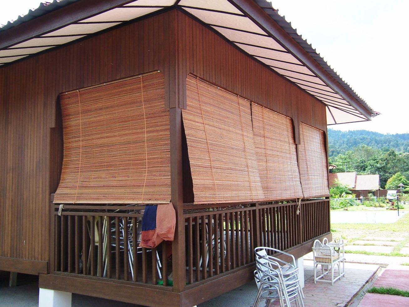 outdoor-bamboo-curtain