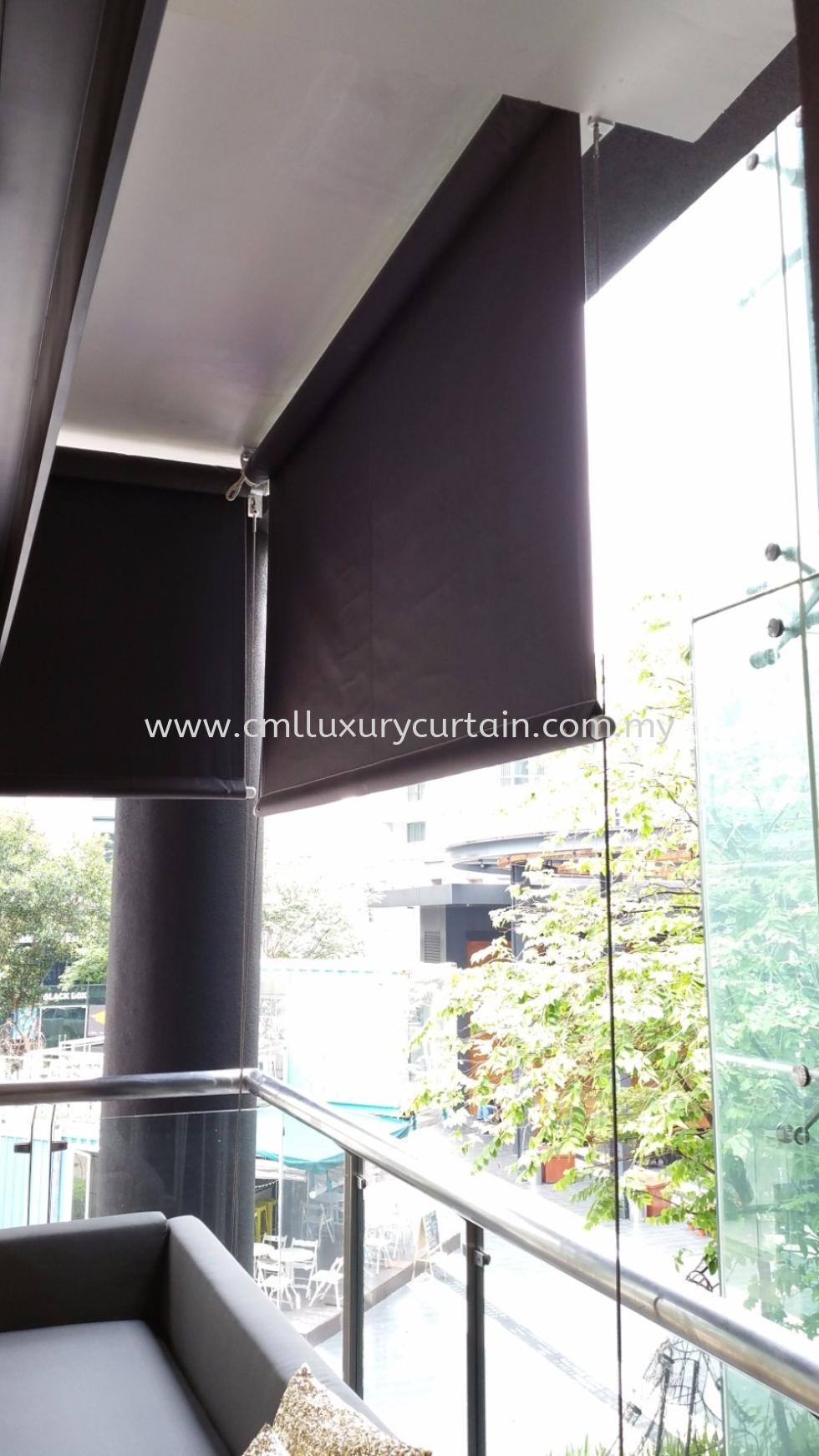 manual-outdoor-roller-blinds 4