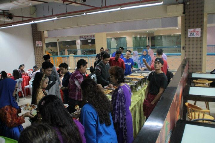 Breaking Fast With Orphans (2.7.2016)