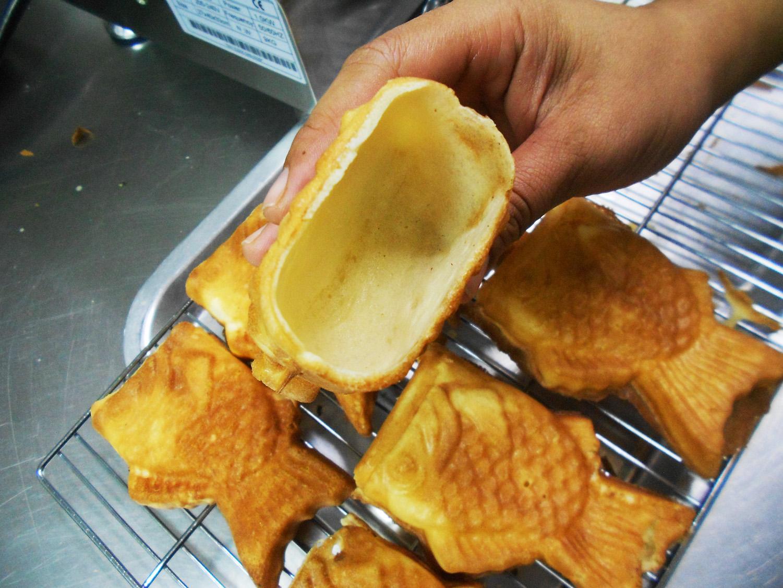Waffle taiyaki fish ice cream maker open mouth deeper for Fish ice cream