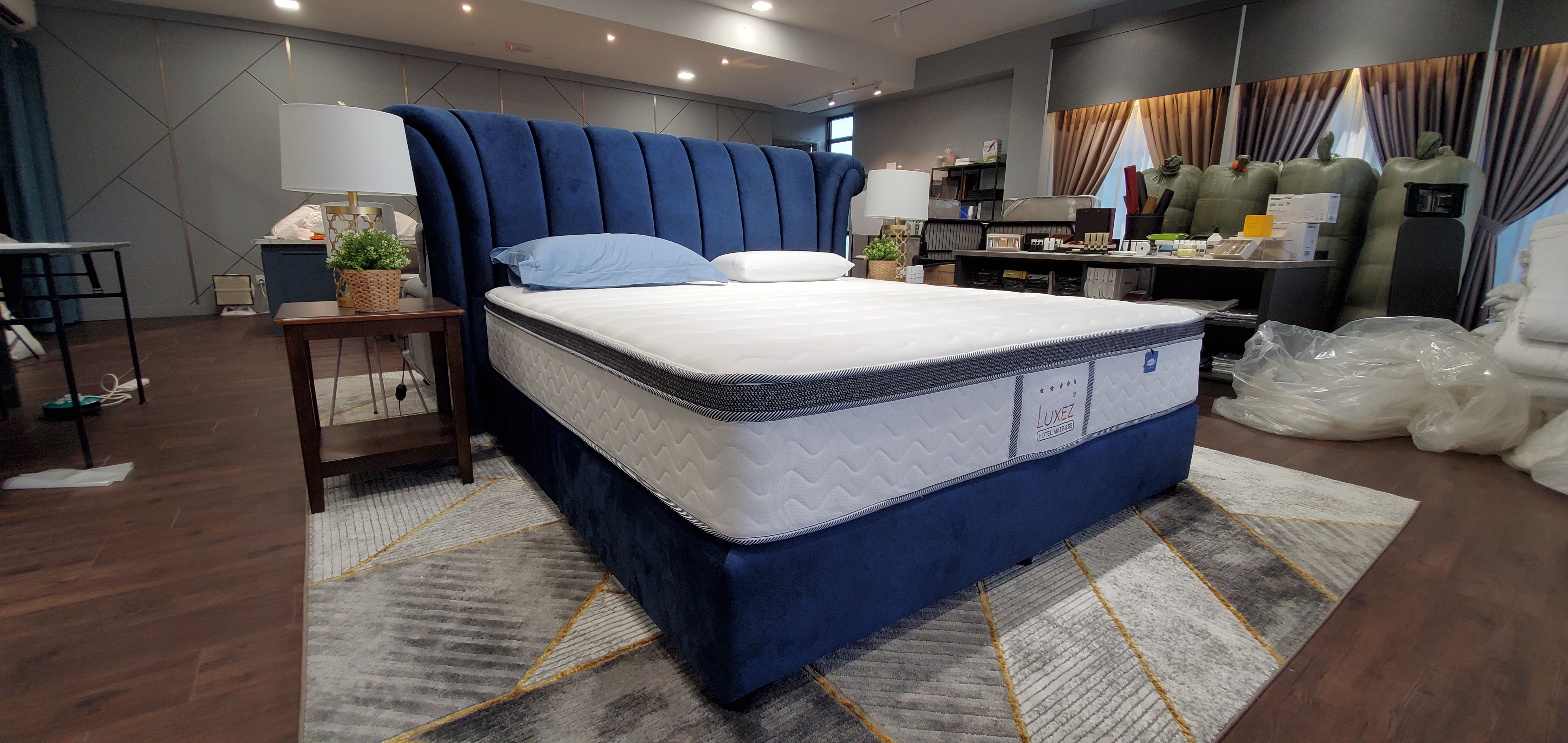 Luxez Dreamland Individual Pocketed Coil Hotel Mattress